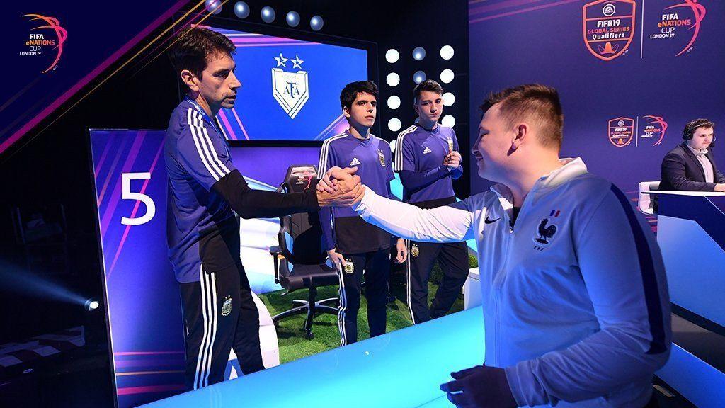 Los chicos argentinos perdieron con Francia en la final de la eNations Cup