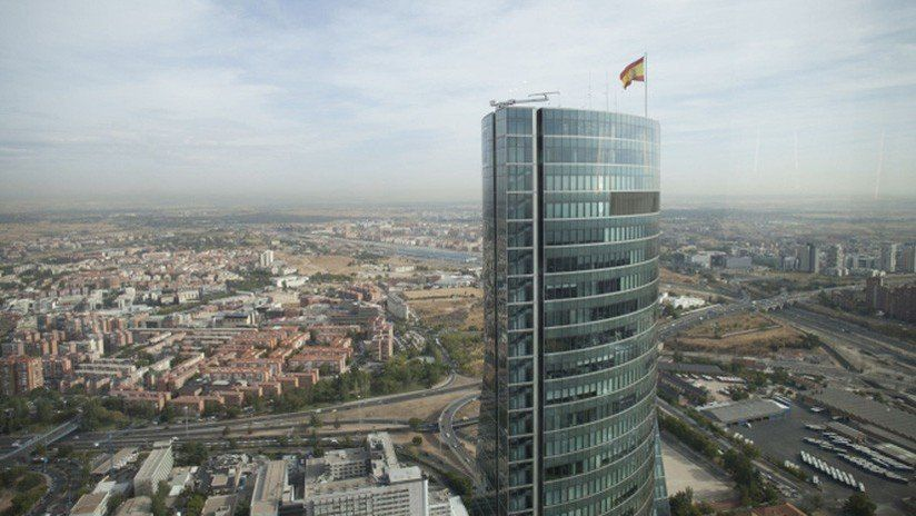 Desalojaron por motivos de seguridad una torre madrileña de casi 60 pisos