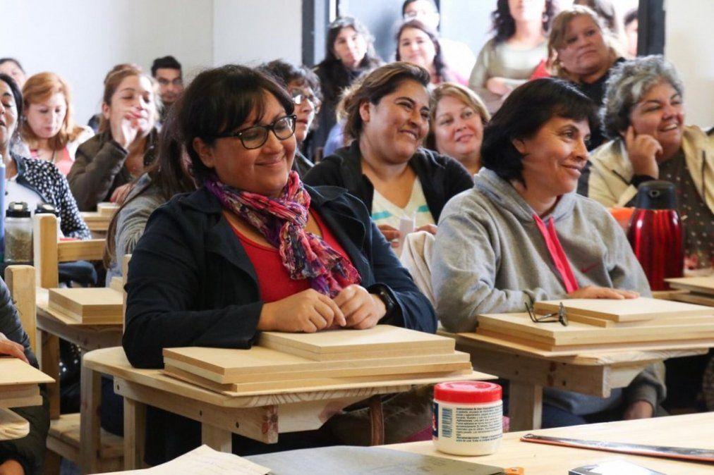La Provincia brinda herramientas a mujeres del Ellas Hacen