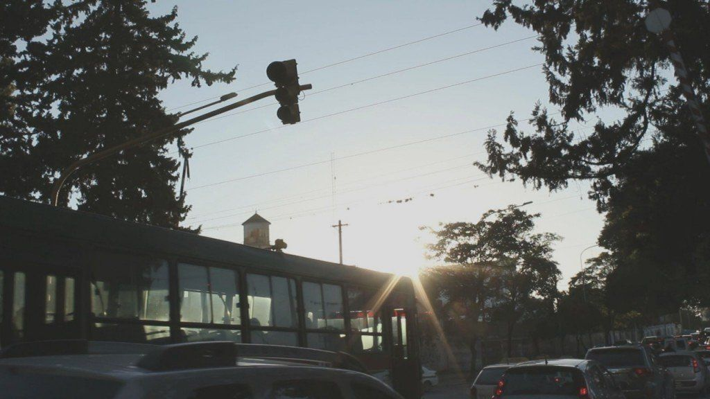 Sin semáforos, algunas esquinas representan un desafío para el tránsito