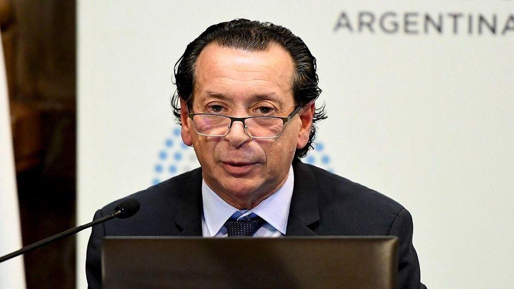 Sica dijo que la medida para combatir la inflación es bajar el déficit fiscal