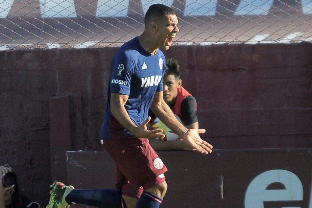 Lanús le ganó a Belgrano y se clasificó para jugar contra Vélez