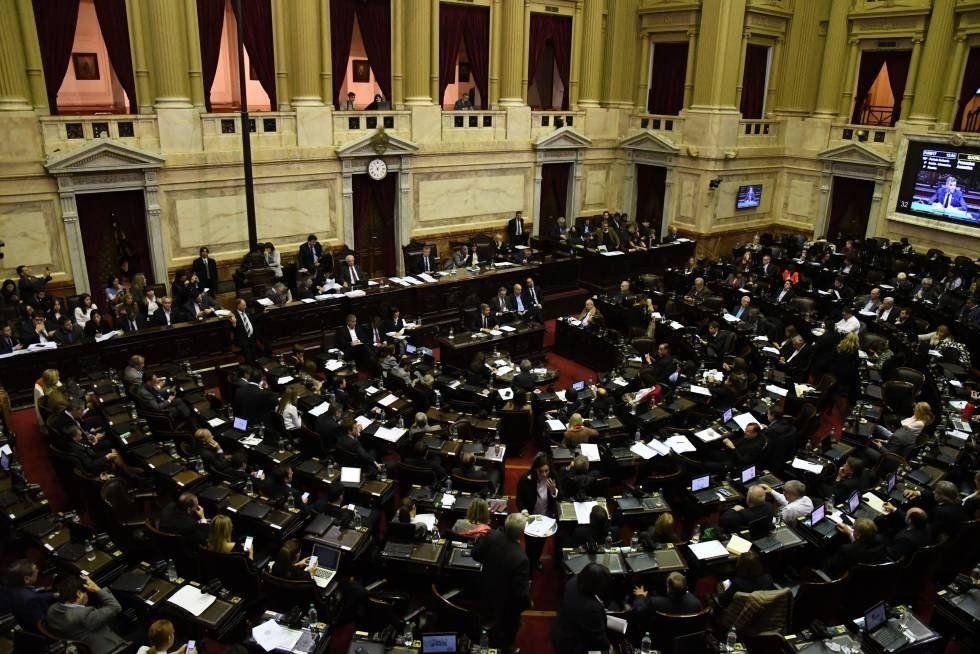 Oficialismo y oposición buscan acordar agenda en común para sesionar