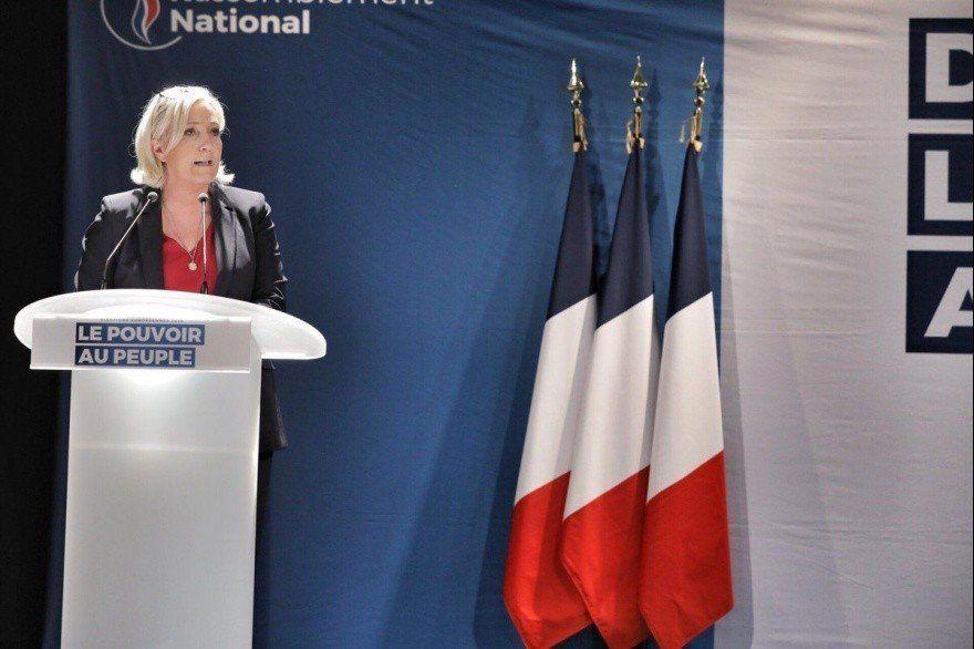 Le Pen ya no está a favor de abandonar la Unión Europea