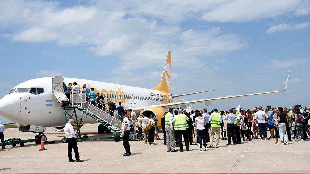 Se inauguraron los vuelos de la nueva conexión aérea Tucumán-Rosario