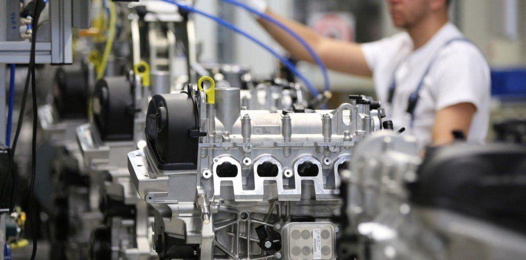 La industria registró en marzo un retroceso del 11,6%