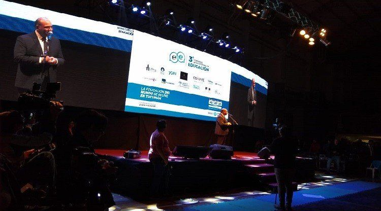 Manzur  inauguró el III Congreso Internacional de Educación