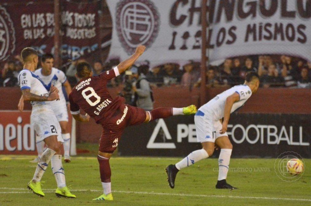 Vélez encontró la fortaleza para vencer a Lanús como visitante