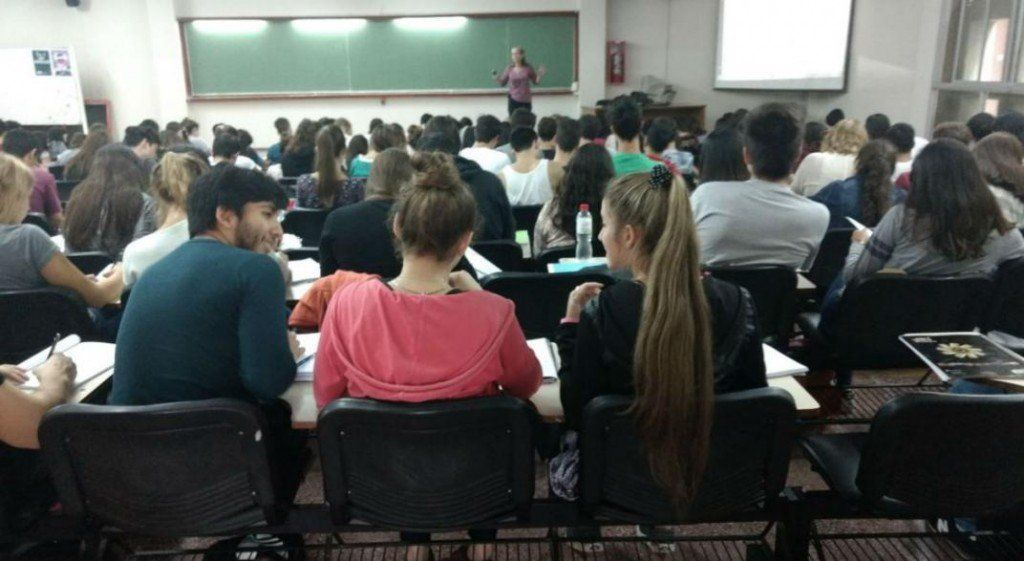 Las universidades privadas perdieron a 20 mil alumnos debido a la crisis
