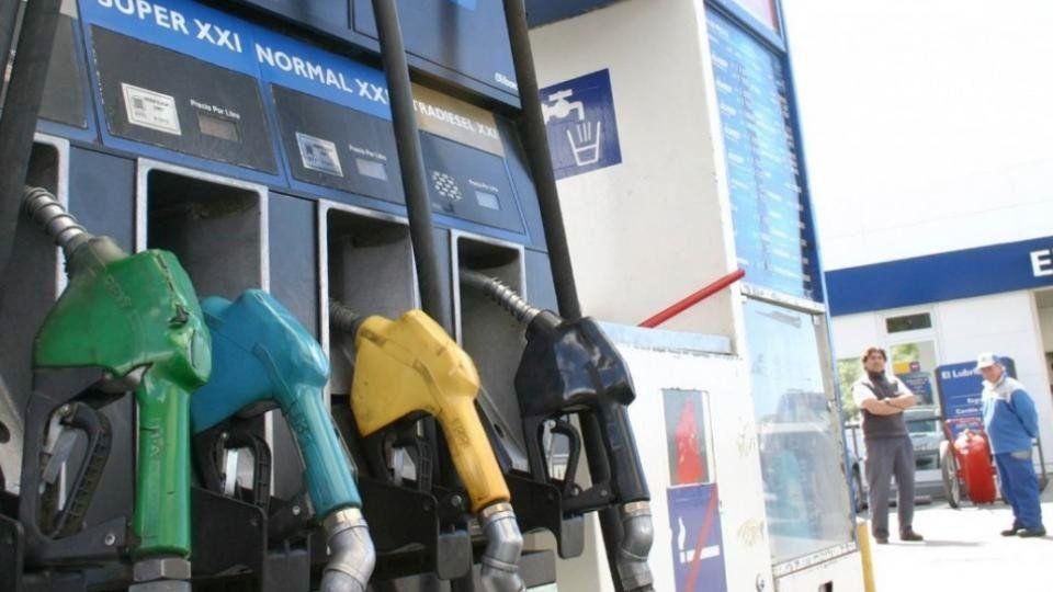 Las petroleras aumentarán la nafta por cuarta vez en el año