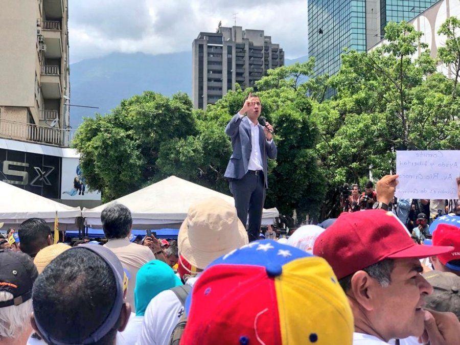 Guaidó acusó a Maduro de bloquear rutas para evitar su discurso