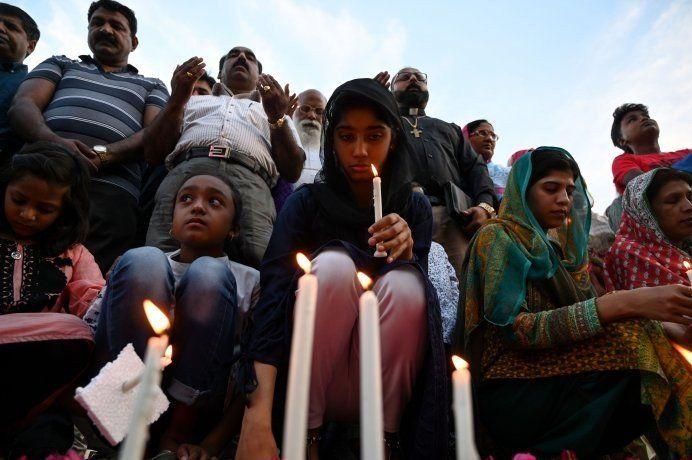 Por temor a nuevos atentados, en Sri Lanka celebran misas por televisión