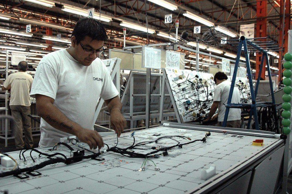 La producción industrial de las pymes cayó 8,4% en marzo