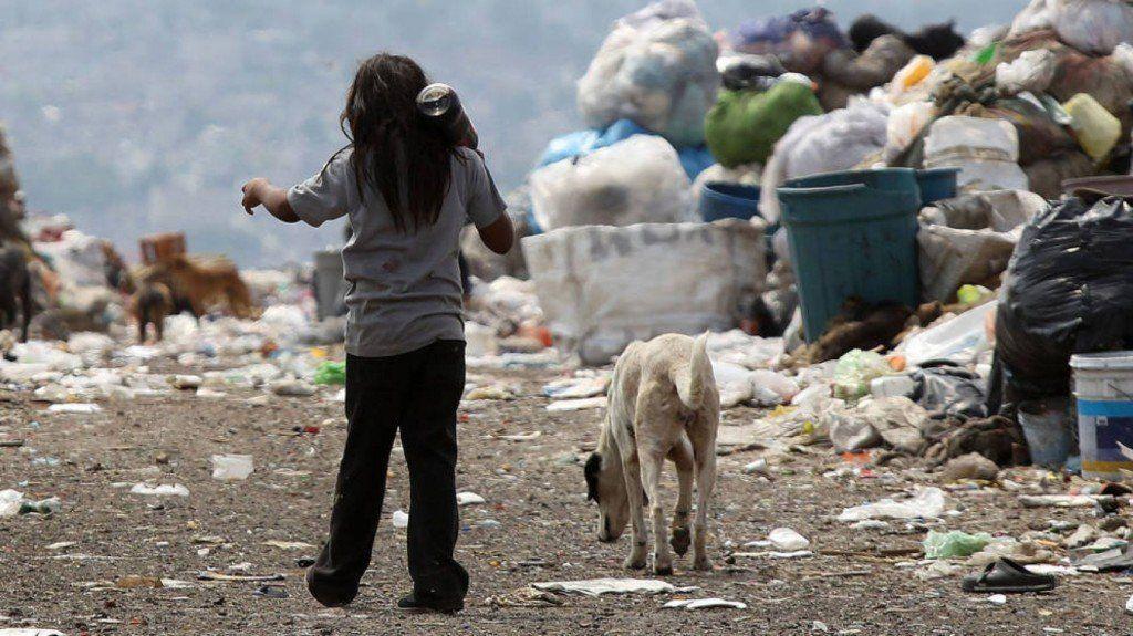 Informe de la UCA: En un año, 600.000 niños más cayeron en la pobreza