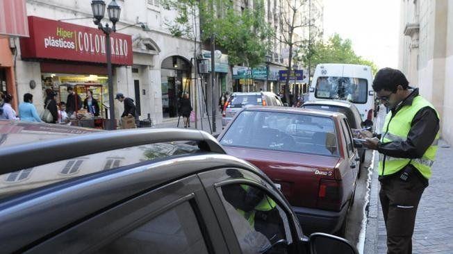 Las multas por mal estacionamiento que se aplicarán a los infractores serán de hasta $3.250