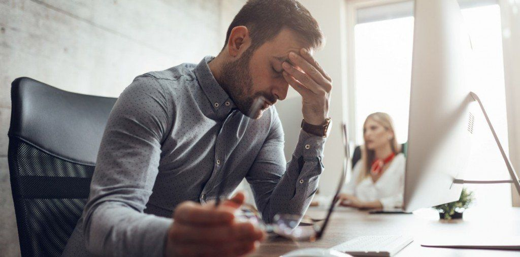 Cómo impacta la falta de sueño en el trabajo