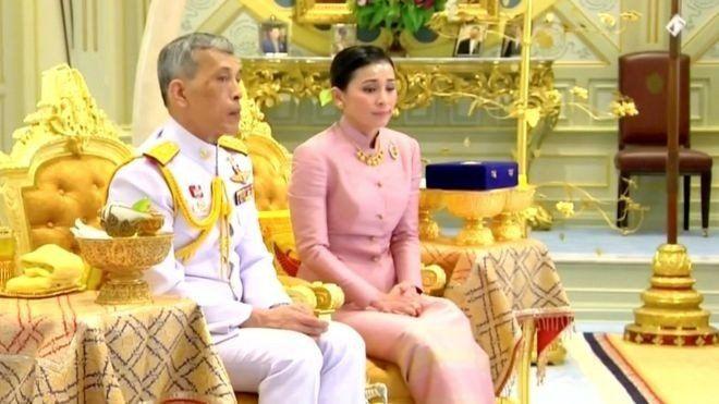 La guardaespaldas que acaba de convertirse en reina de Tailandia
