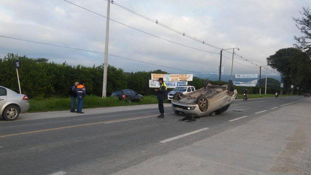 Un auto quedó volcado por un choque en la ruta 315: no hubo heridos