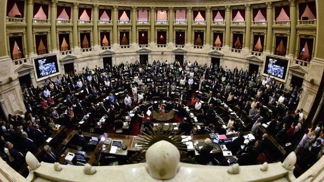 Diputados buscará votar financiamiento político y ley de góndolas