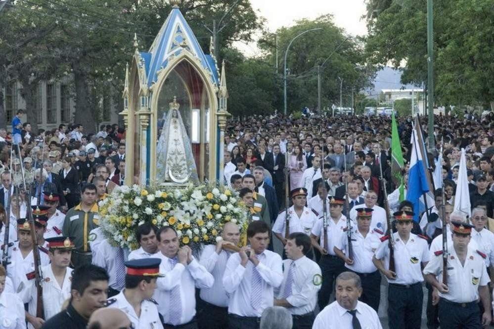 Más de 24 mil fieles realizaron la procesión de la Virgen del Valle en Catamarca