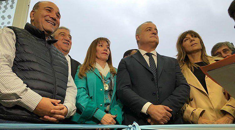 Inauguró la moderna policlínica de Lomas de Tafí