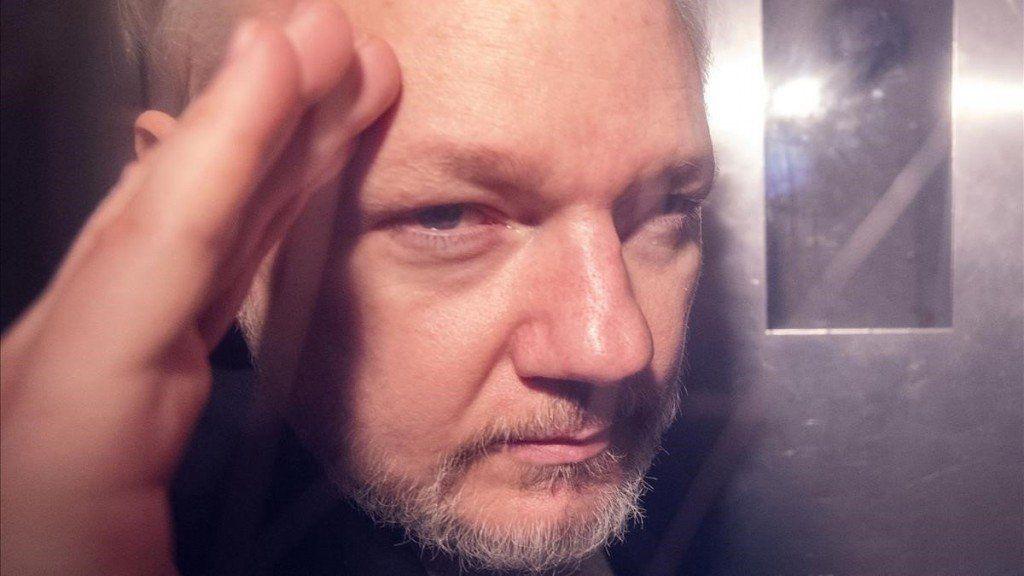 La fiscalía de Suecia reabre el caso por presunta violación contra Assange