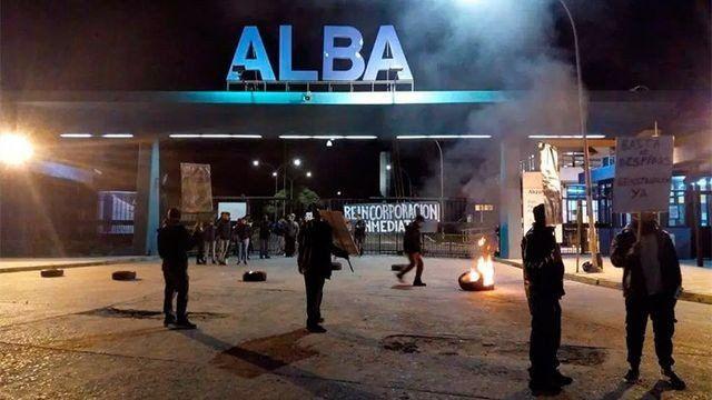 Denuncian que hubo despidos masivos en una fábrica de pinturas ALBA