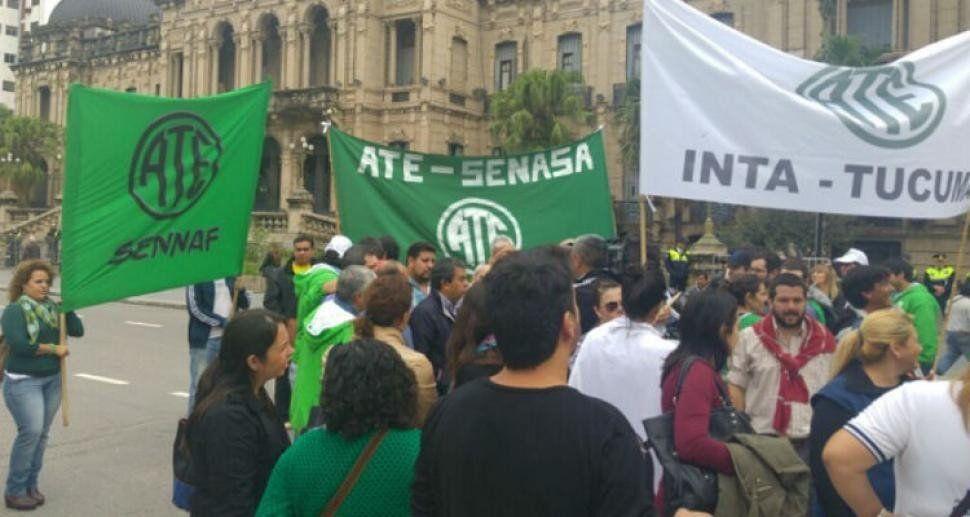 ATE realiza una nueva movilización contra la gestión de Macri