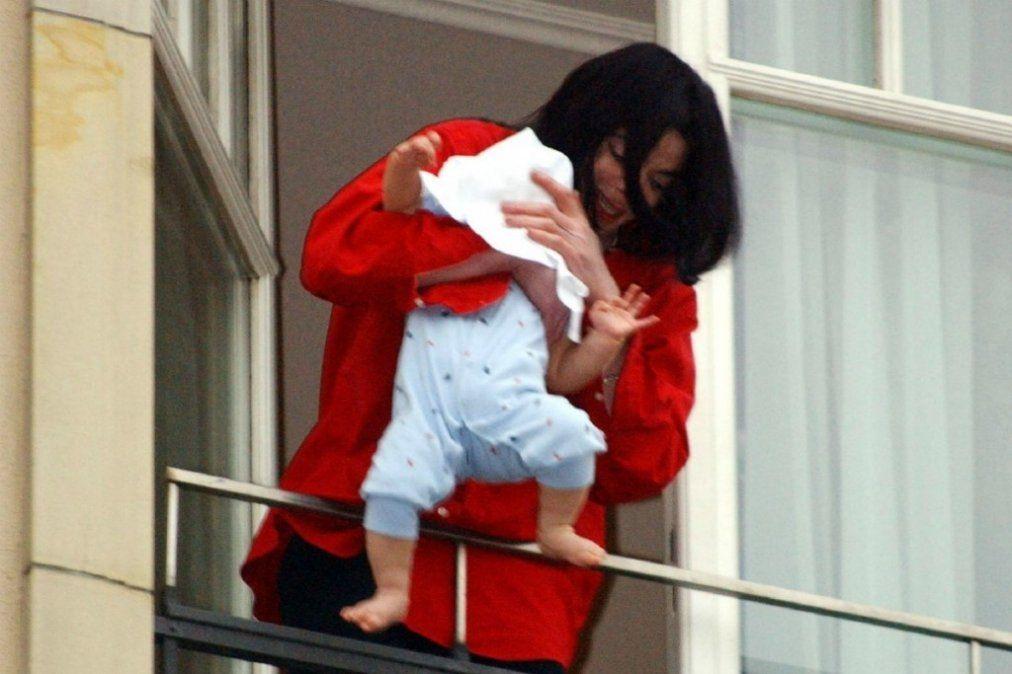Reapareció el hijo más chico de Michael Jackson