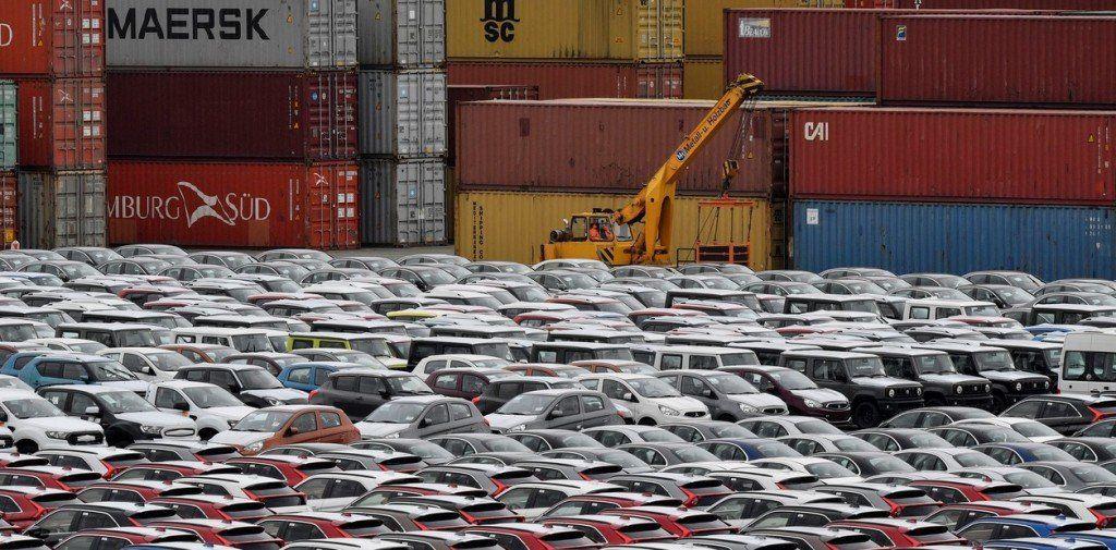 Trump posterga aplicar aranceles a los autos europeos y japoneses