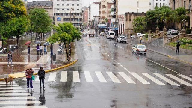 Domingo de lluvias y temperaturas bajas luego de un otoño soleado