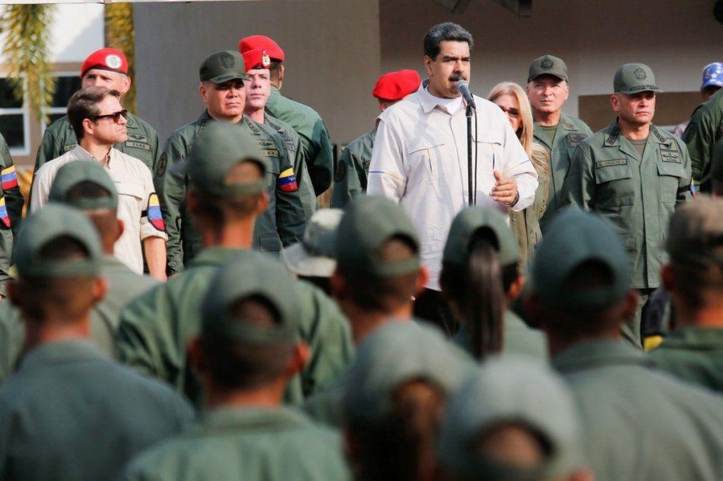 """Maduro llamó a capturar a cualquier """"traidor"""" en las Fuerzas Armadas"""