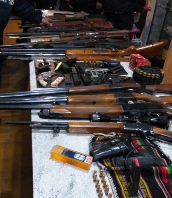 Secuestran docenas de armas de fuego en diferentes ciudades de la provincia