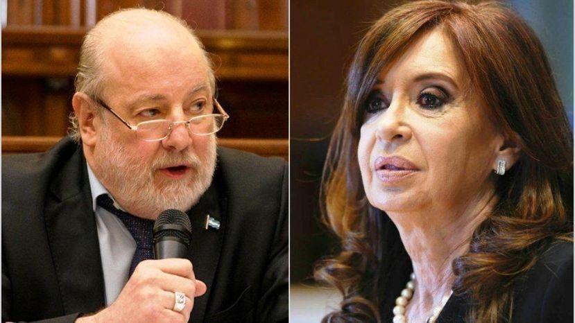 Bonadío dejó cerca del juicio oral a Cristina por documentos históricos