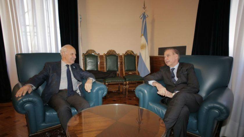 """Pichetto y Lavagna afirmaron que """"seguirán dialogando"""""""