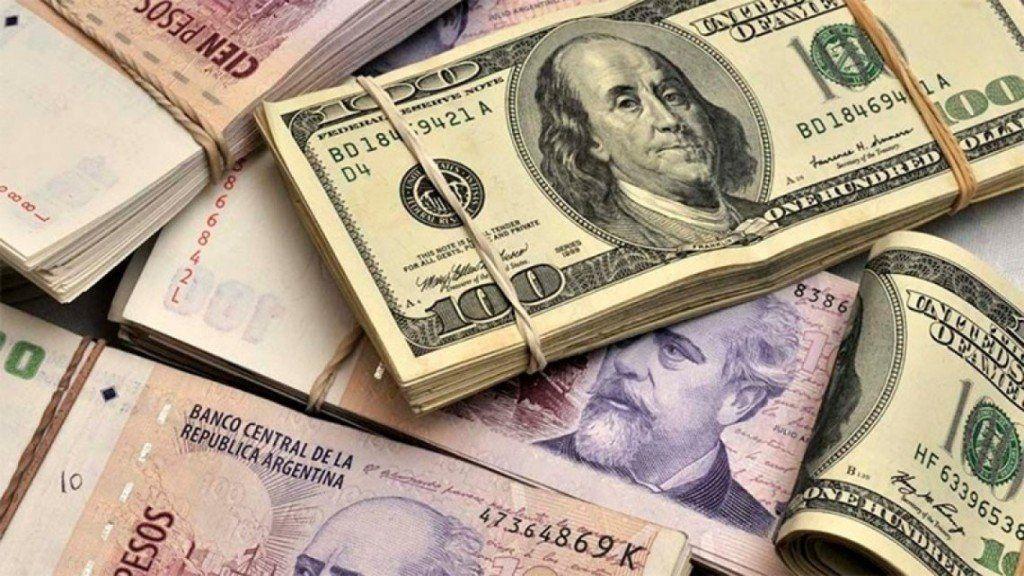 El dólar opera nuevamente en alza: superó los $46 este lunes