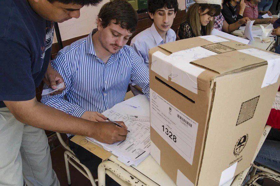Autoridades de mesa podrán votar en las mesas que presidan