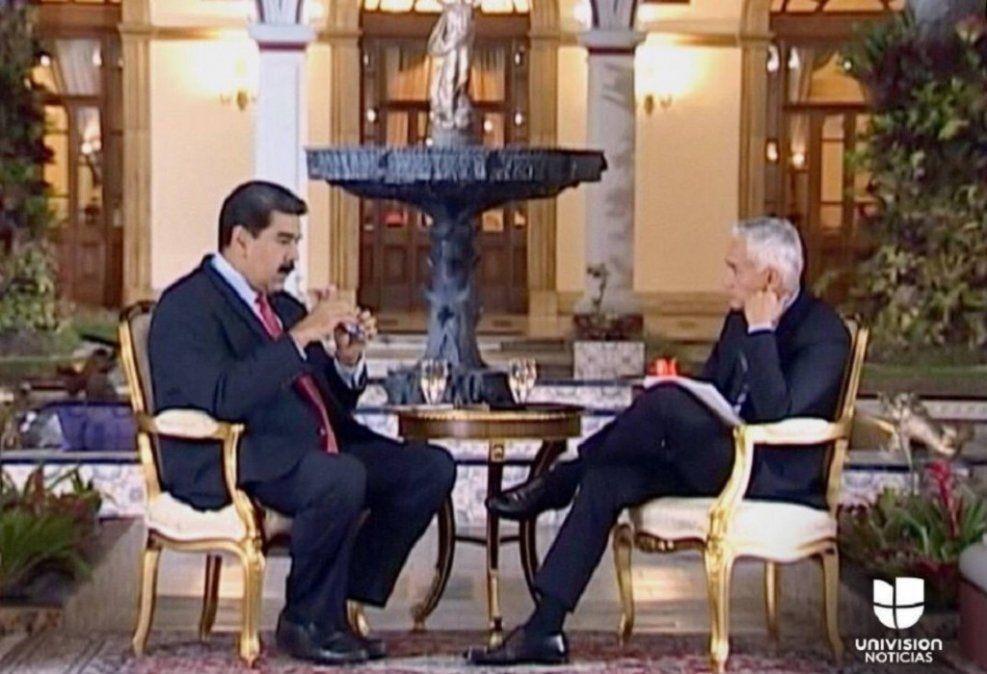 Te vas a tragar tu provocación con Coca-Cola: Maduro a periodista