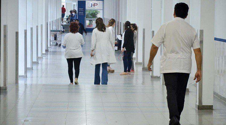 Adultos mayores podrán acceder a consultas médicas gratuitas