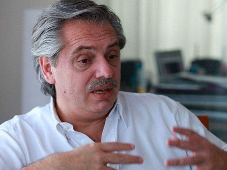Alberto Fernández fue internado para hacerse chequeos