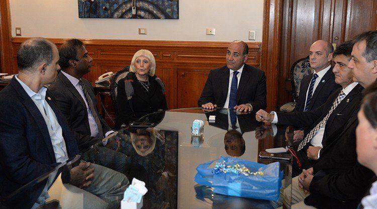 Manzur proyectó acuerdos con referentes de la ingeniería mundial
