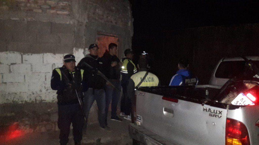 Secuestran una moto y celulares en allanamientos por el caso Almirón