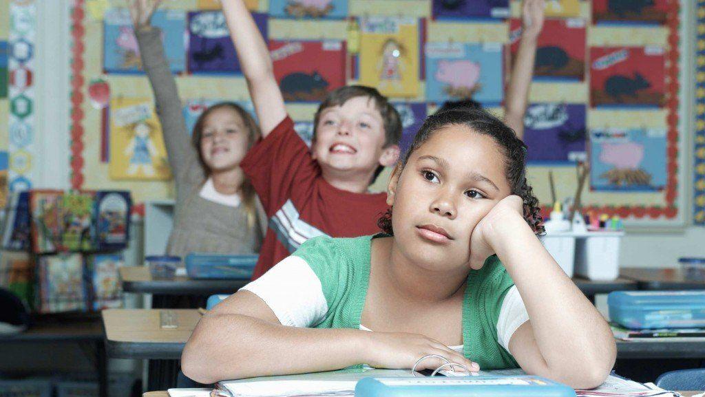 No escucho bien a la maestra: ¿Cómo abordar la pérdida de audición infantil en el colegio?