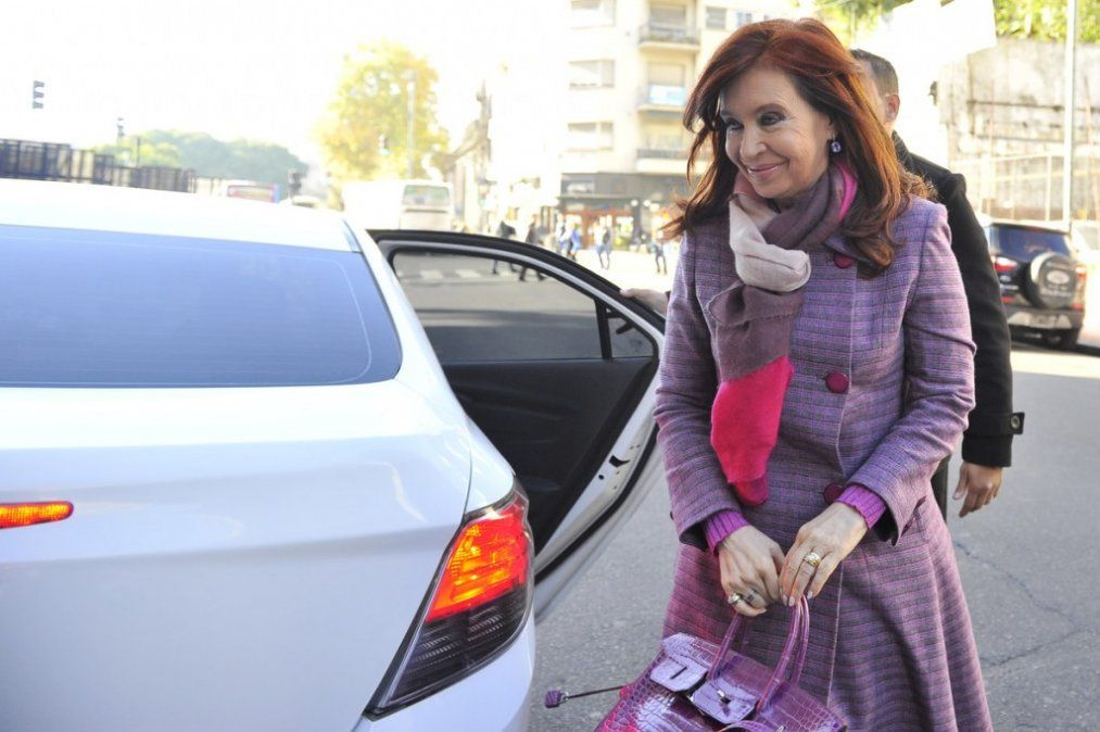 Cristina Kirchner pidió autorización para viajar a Cuba a ver a su hija