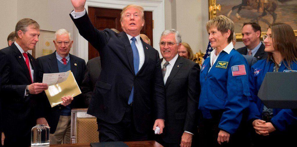 """Para Donald Trump, la Luna """"es parte de Marte"""""""