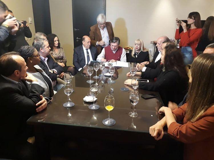 La Junta Electoral firmó convenios con los observadores internacionales