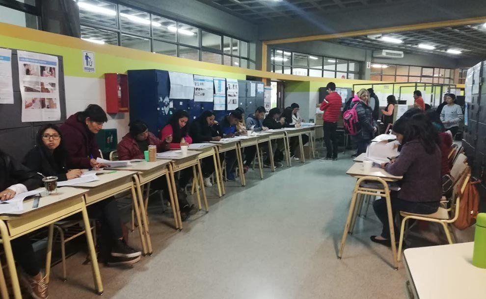 Jujuy: Gerardo Morales se impone al peronismo dividido