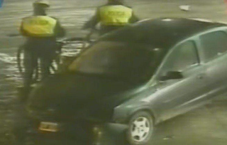 Chocó y dejó abandonado su vehículo en el acceso a la Terminal
