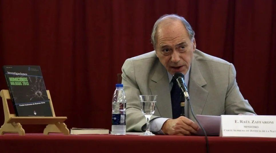 Zaffaroni quiere una ley que revise las causas de corrupción