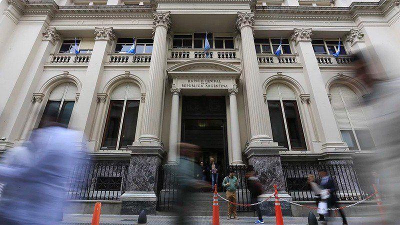 Argentina entre los peores siete países del mundo en cantidad de préstamos bancarios